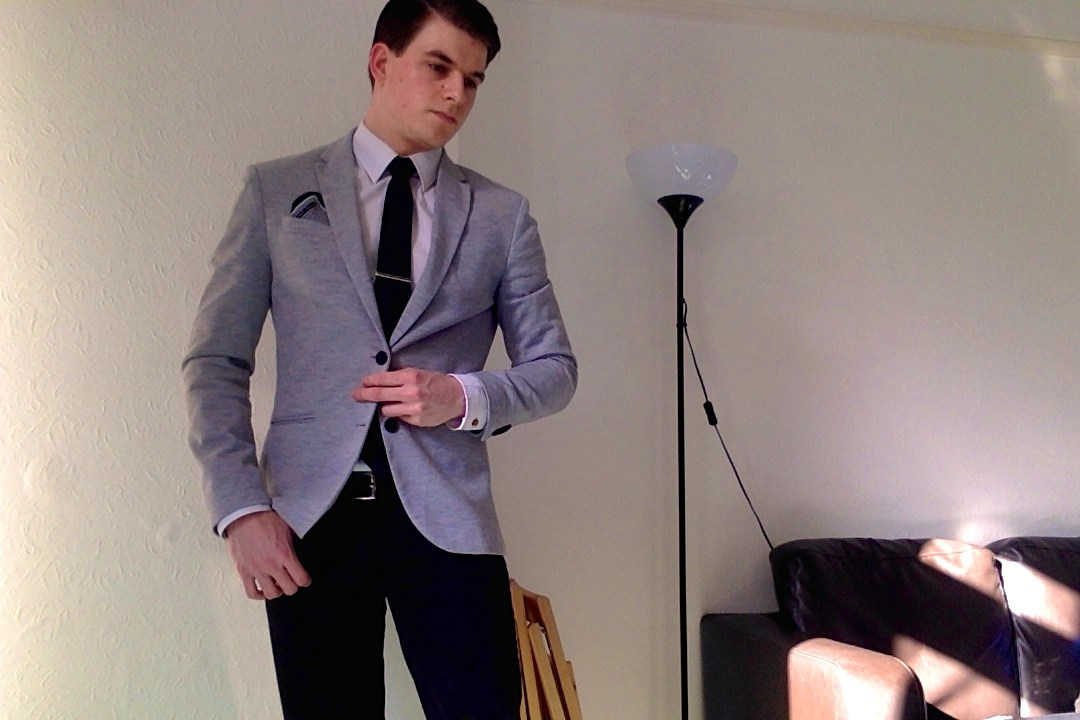 WHAT A GENT'S WEARING: THE CASUAL BLAZER FOR BUSINESS