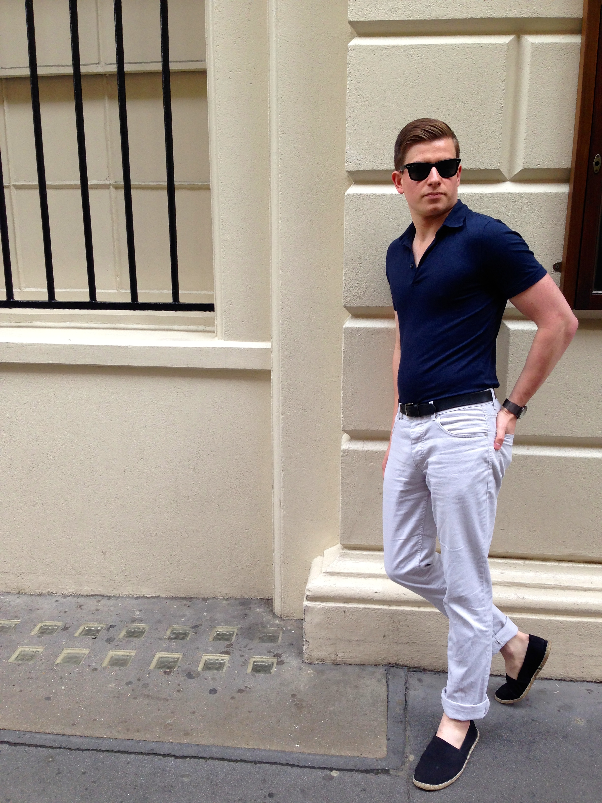 what a gents wearing casual italian style the male stylist