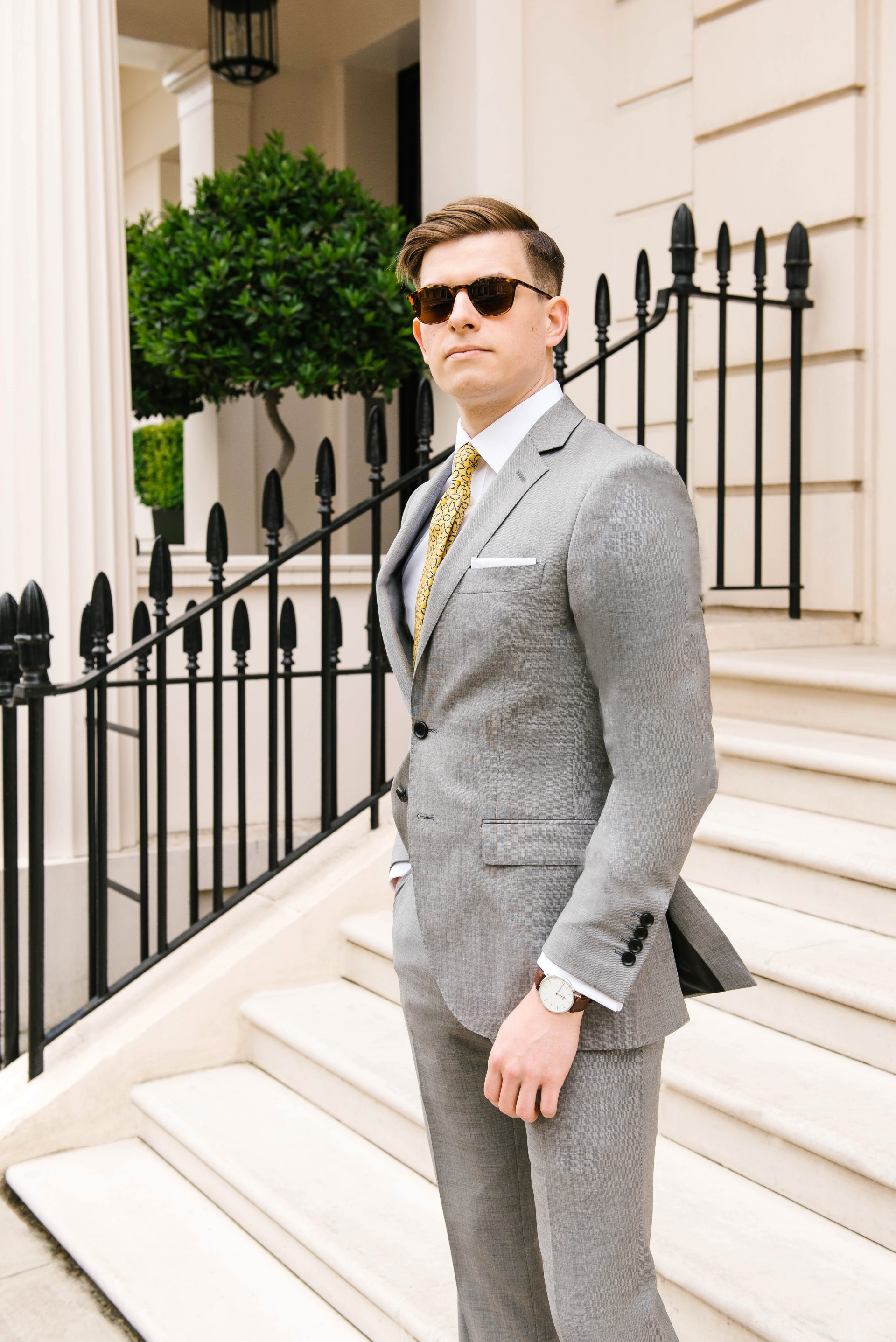 Men's Suit Style - Yellow Tie & Grey Suit 2