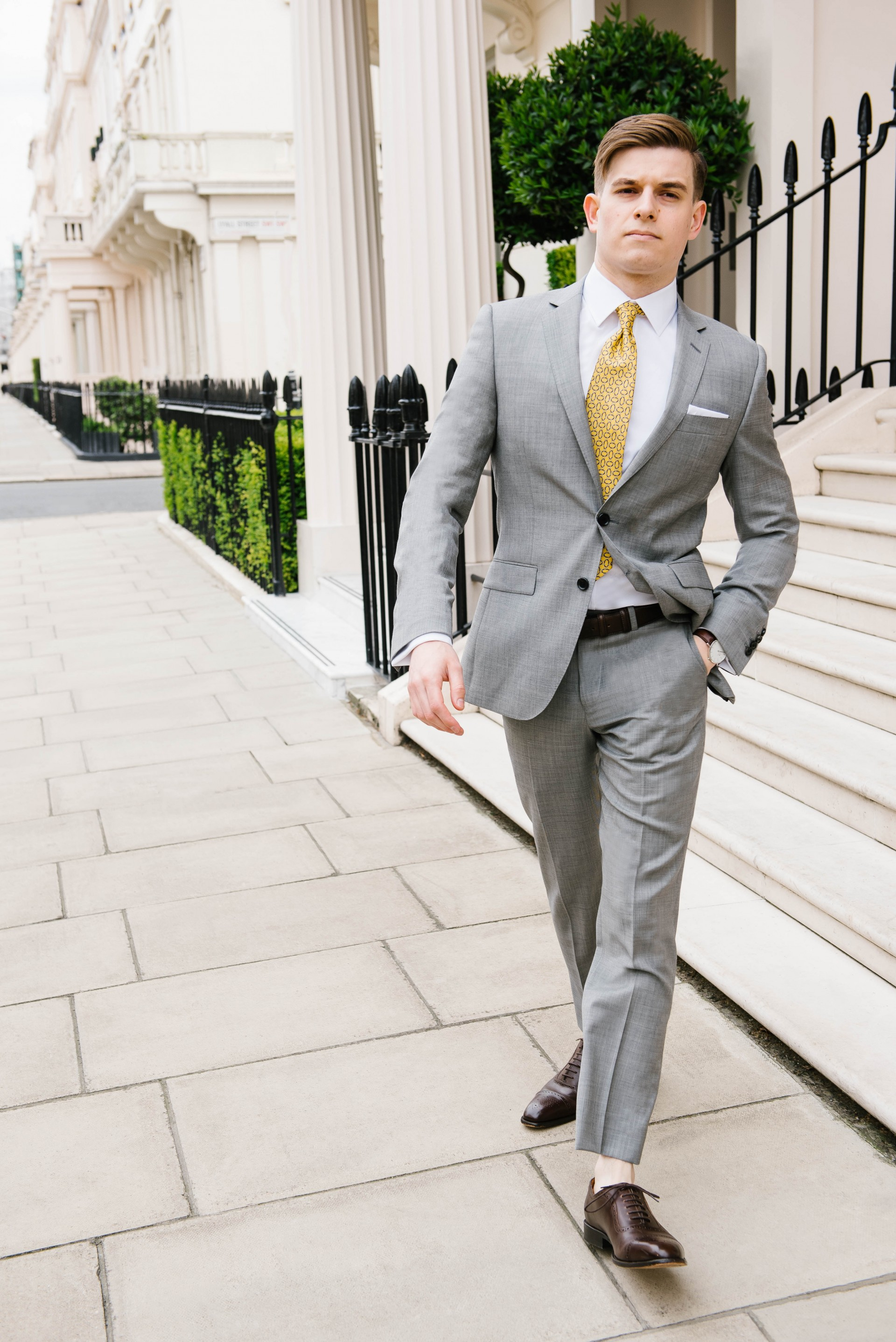 Men's Suit Style - Yellow Tie & Grey Suit 3